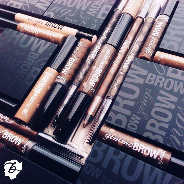 Everything we need to keep these arches on point ;) #benefitcosmetics #brows