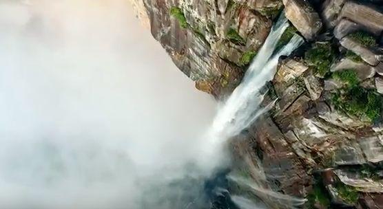 Le Salto Ángel la plus haute chute d'eau du monde
