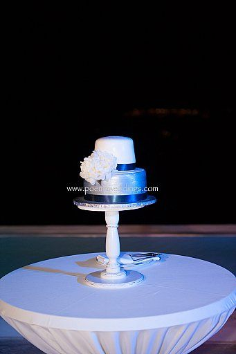 White & Silver Stylish Santorini Wedding Cake by Petran Art Pastry Chef ! I Wedding Event Planner Poema Weddings & Special Events I Flower Design by Wedding Wish I Photography by Studio Phosart I Wedding Venue Rocabella Suites & Spa