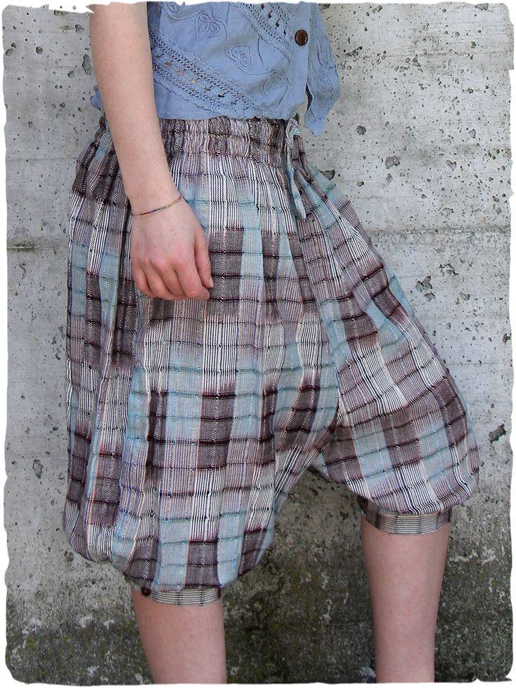Pantaloni Dory  Bellissimo pantalone con cavallo basso, comoda cinta elastica  made in Guatemala 100% cotone lavabile in lavatrice 0° Taglia Unica Tessuto realizzato con telaio manuale http://bit.ly/1B3Rqk4  #LaMamita #ModaEtnica #ModaItaliana #ModaPrimavera