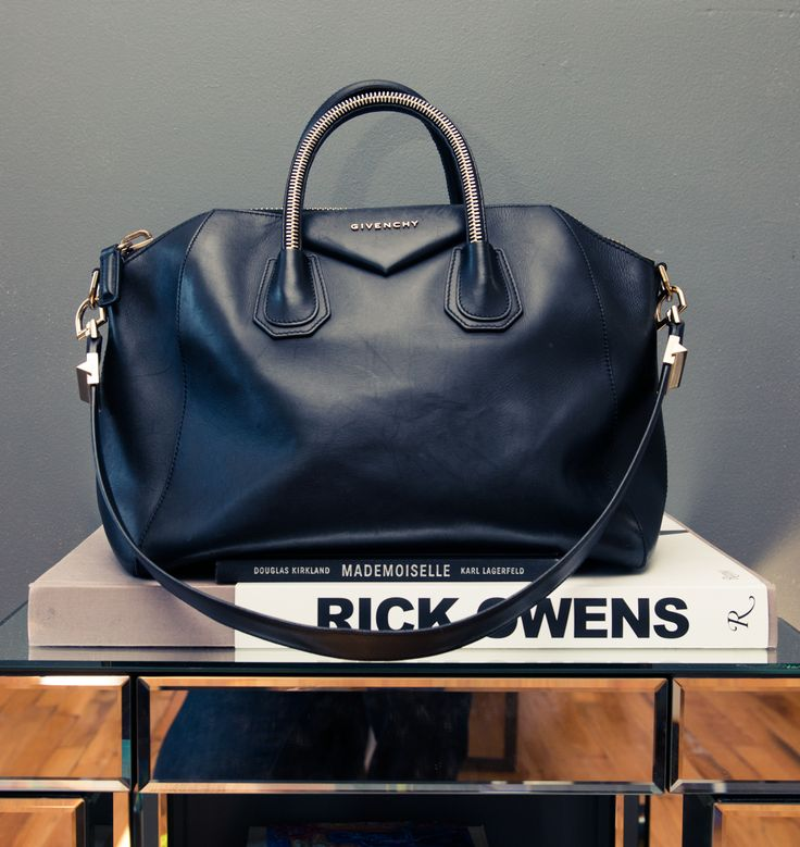 We would wear this SO well. http://www.thecoveteur.com/aleali-may/: Givenchy Antigona, Black Bags, Handbags, Fashion Style, Dreams Bags, Antigona Bags, Bags Bags, Black Leather Bags, Givenchy Bags