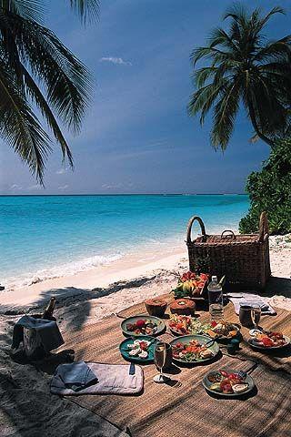 Hawaiian beach picnic