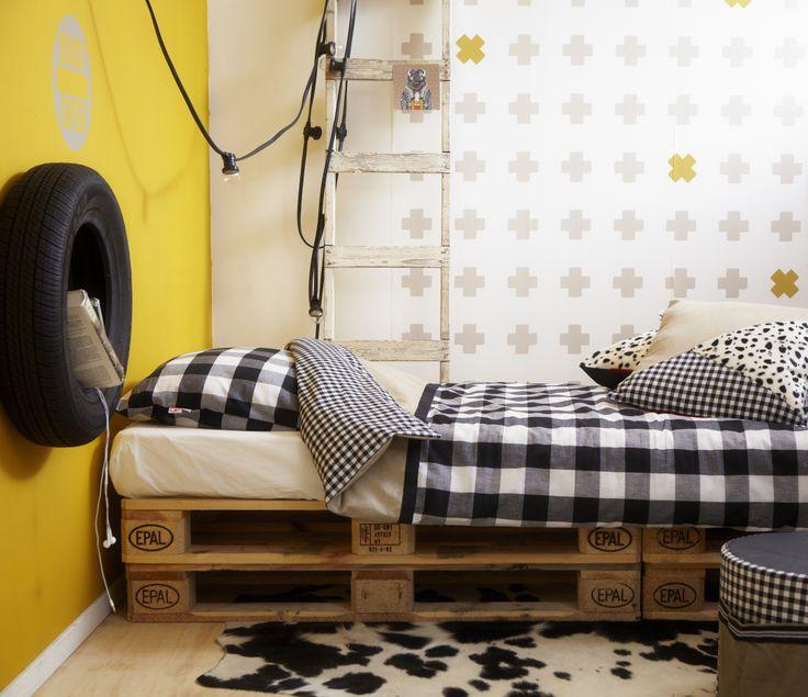 Bibelotte collection Storm. Duvet cover Single, cushions, wallpaper and wall sticker DO NOT ENTER. www.bibelotte.nl