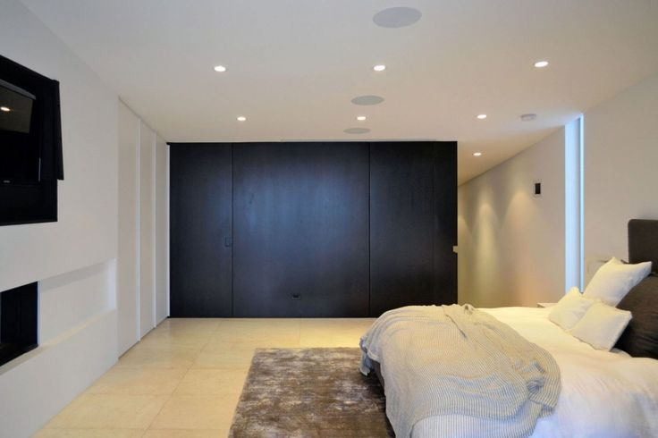 Beach House:Two Storey Beach House Seven Wall Lights Ceiling Standard Frame With Headboard Boraam California King Black Modern Cottage Bed B...