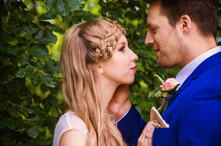 Garden of Love - inspiration for outdoor ceremony I Ogród Miłości – zaślubiny w ogrodzie #bride #groom #palace #wedding #garden #ceremony #outdoor #peonies #weddingdress #pannamłoda #panmłody #zaślubiny #ogród #ślub #wesele #pałac #powiedztak #ido #bridalmakeup #weddingmakeup #makijażślubny #butonierka #fryzuraślubna