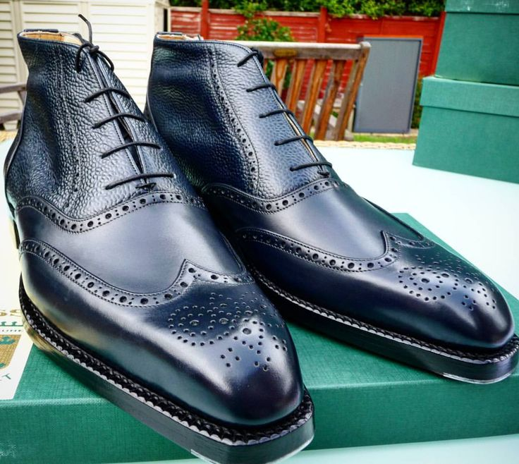 Ascot Shoes — Specifications of this piece:  MODEL: Oxford...
