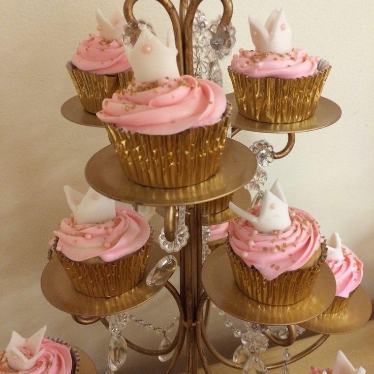 gold royal baby shower cupcakes princess royalty royal baby shower