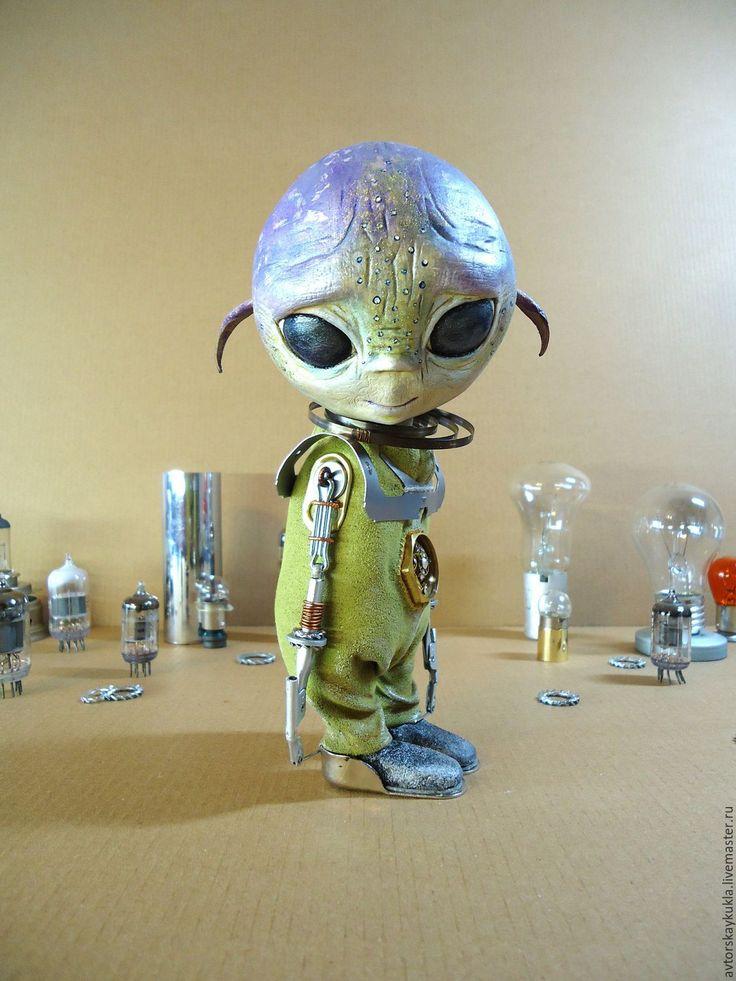 Купить Пришелец. - оливковый, авторская кукла, инопланетянин, пришелец, интерьерная кукла, коллекционная кукла