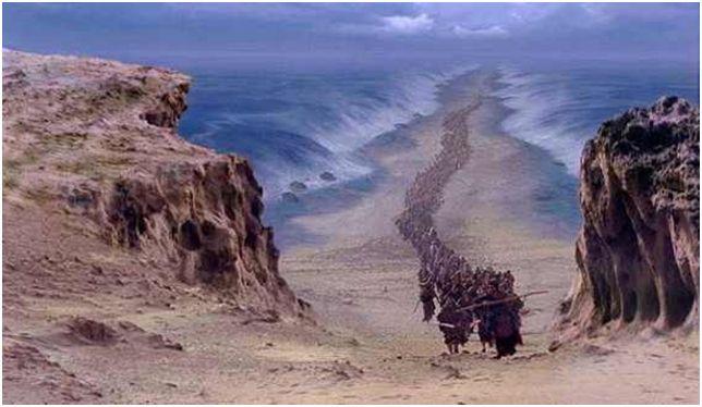 A descoberta de restos do exército egípcio no fundo do mar é a prova.    O Ministério de Antiguidades do Egito anunciou que uma equipe de arqueólogos s