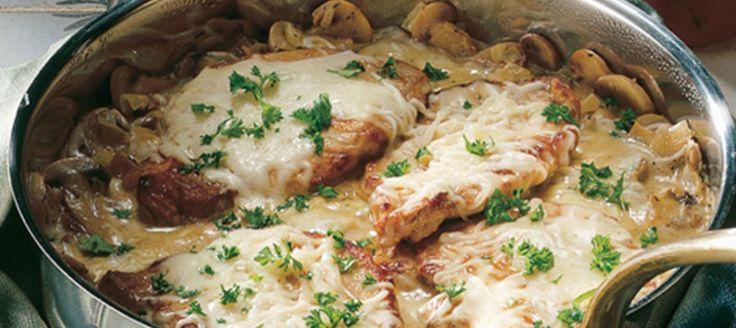 Koteletter med champignoner og ost