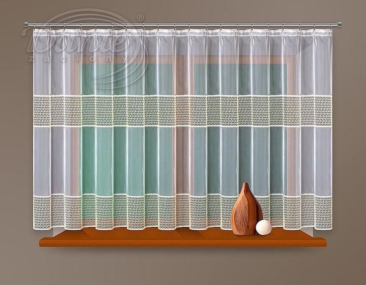 Voál DANIELA     Zajímavě zdobená voálová záclona se dvěma ažurovými pruhy v krémové barvě. Záclona je ušitá, stačí ji jen pověsit na okno.     Spodní okraj je olemován lesklou krémově bílou stužkou.     Boční okraje jsou začištěné a na horním lemu našitá průhledná řasící stužka, která řasí záclonu napůl. Rozměr šířky je uveden před nařasením.