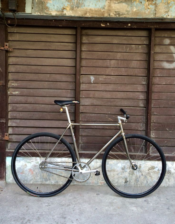 """Makki"" a strpped Makino NJS trackbike."