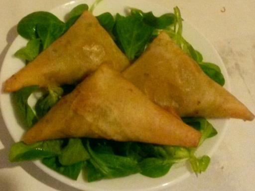 Samoussa au thon et aux légumes - Recette de cuisine Marmiton : une recette