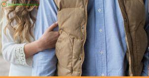 Zwarte blouse, sneakers of toch die  laarsjes? Wat doe jij aan naar een #sollicitatiegesprek? #tips #interviewoutfit https://www.studentenvacature.nl/blog/welke-kleding-trek-aan-naar-sollicitatiegesprek