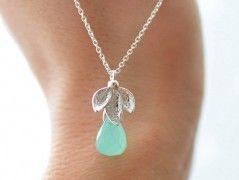 Stříbrný náhrdelník s Chalcedonem
