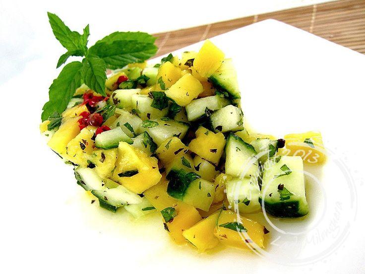 Je vous propose aujourd'hui une nouvelle recette de salade de concombre, réalisée initialement avec du concombre libanais par Variations gourmandes. n'ayant pas trouvé cette variété de concombre su…