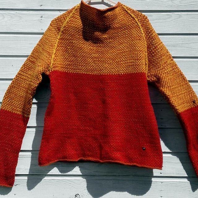 Свитер трехцветный бесшовный.  Нитки Alize Cashmira.  Размер: 42-48.  Цвет: красный/горчичный/грибной.  В наличии. РУЧНАЯ работа. For sale 80$. WhatsApp 8 926 829 6399 #LorisHandmade #свитер #sweater #кашемир #knitting #iloveknitting #вяжунемогуостановиться #вяжутнетолькобабушки  #вязаниемояйога #вяжуназаказ #ручнаяработа #handmade #хендмейд #сделанослюбовью #своимируками #наширукинедляскуки #вязанаяодежда #аксессуары #мода #style #trend #стиль #fashion #вналичии #девочкитакиедевочки