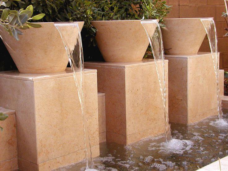Lovely Wasserspiel im Garten