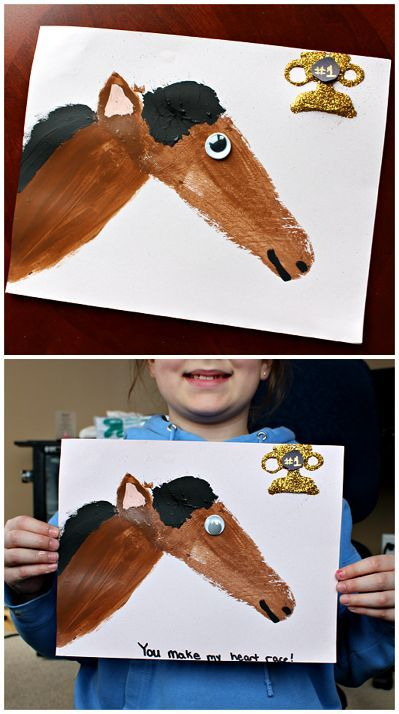 Footprint horse craft for kids (Great for a farm or valentine's art project!) | CraftyMorning.com