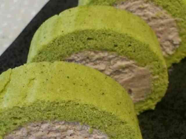 ミニ抹茶ロールケーキの画像
