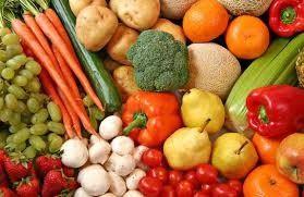 BENEFICIOS DE LOS FITONUTRIENTES QUE SE ENCUENTRAN EN FRUTAS Y VERDURAS COLORIDAS: Las frutas y verduras coloridas proporcionan nutrientes esenciales, como vitaminas, minerales y antioxidantes, y también otros nutrientes vegetales naturales. Los científicos se refieren a estos nutrientes vegetales como fitoquímicos o fitonutrientes.