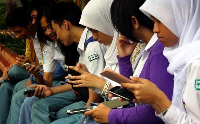 Dampak Kemajuan Teknologi Informasi Terhadap Komunikasi
