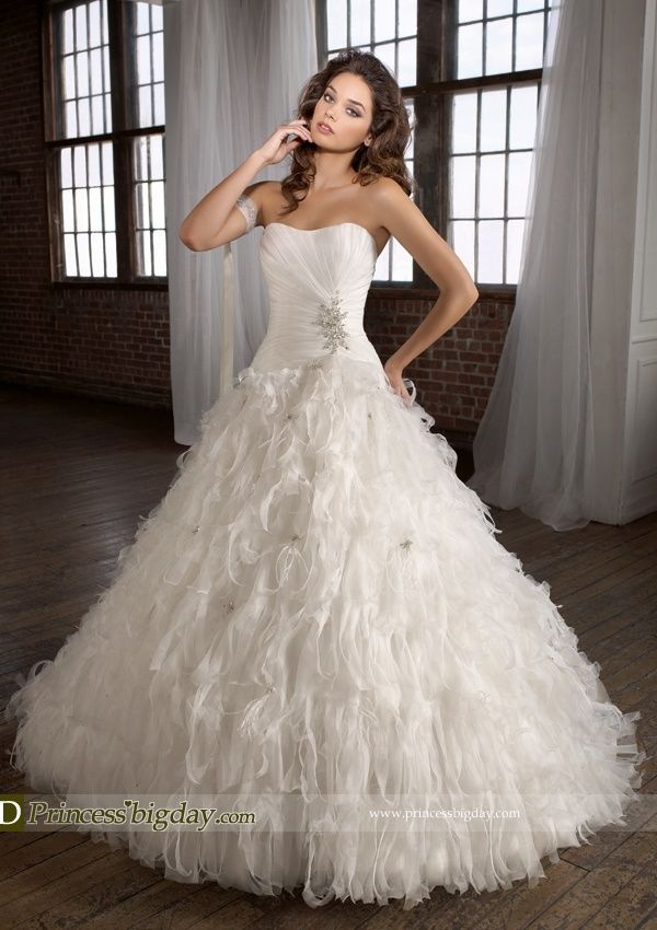14k white gold blue sapphire diamond cluster ring feather wedding dressesball