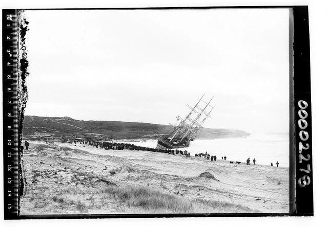 Thursday 5th May 1898 - The Hereward  runs aground on the shoreline of Maroubra Beach, Sydney, NSW, Australia.    -   http://trove.nla.gov.au/ndp/del/article/14132900