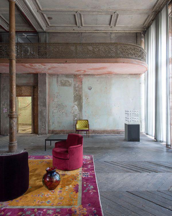 Empty Space| The Grand Decay- Interior Design Showcase| Serafini Amelia| Antique showcase in Berlin Wallstrasse