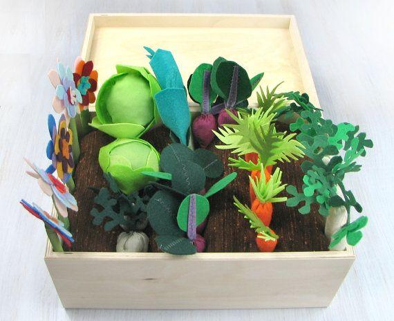 Felt Fabric Vegetable Garden Play Set, Toy MiniGarden, Pretend Veggies Big Set, For Kids, Little Gardener Vegetable Patch Little Housekeeper
