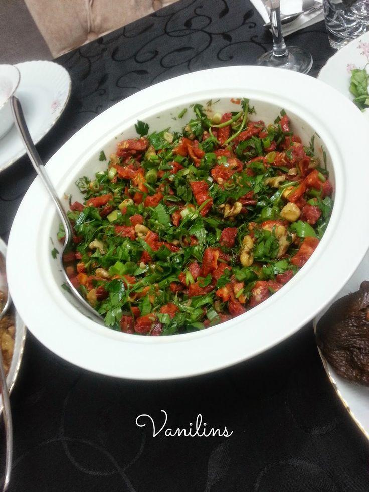 Kuru domates salatası | Vanilins