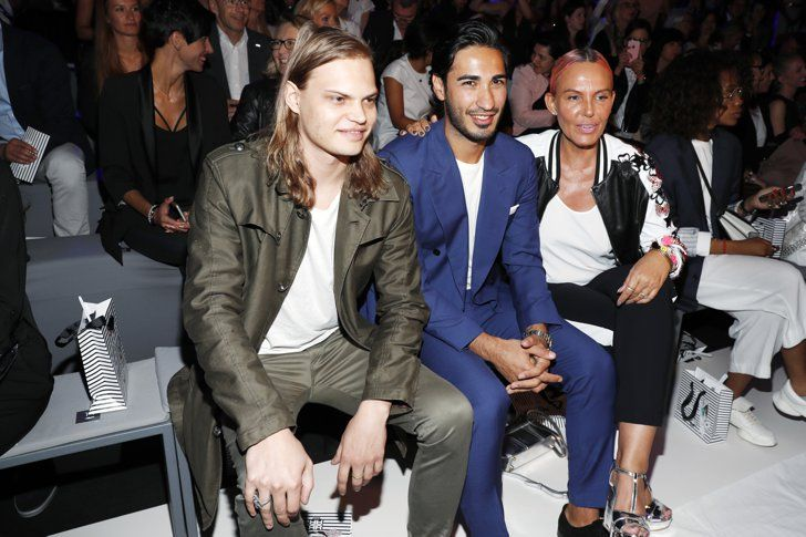 Pin for Later: Seht alle Stars bei der Berlin Fashion Week Wilson Gonzalez Ochsenknecht, Umit Kekilli und Natascha Ochsenknecht bei der Modenschau von Riani