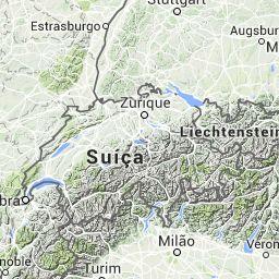 Separando a França da Espanha, essa cadeia forma uma barreira imponente que se estende continuamente entre o Mediterrâneo e o Atlântico, cerca de 430 km. O pico mais alto do lado francês é o Pic de Vignemale (3.298 m).