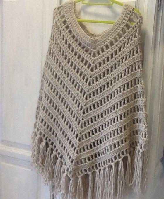 Boho crochet poncho (70€)