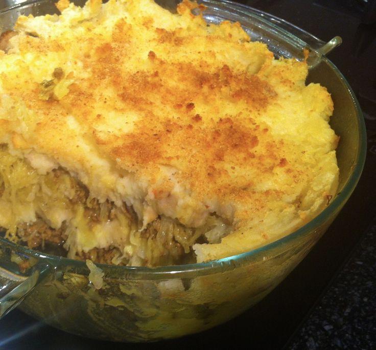 Recept voor een heerlijke zuurkoolschotel met gehakt en banaan. Deze ovenschotel smaakt heerlijk zoet, pittig, fris en romig tegelijk!