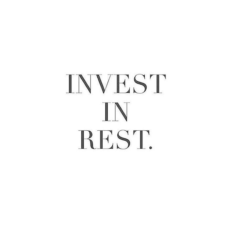 Who wants to start a digital detox on Sundays with me? Where we shut off digitally and relax? I'm going to kickstart us off every Sunday morning and give you motivation and a loving reminder to do so so here it is! Invest in rest! #hygge