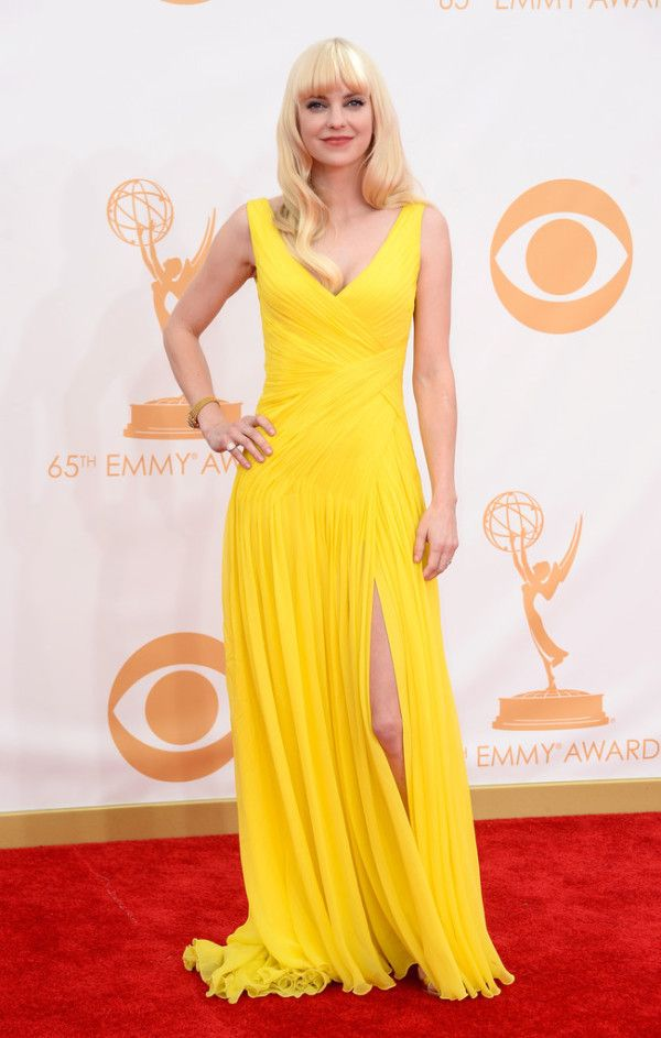 Anna Faris Wearing Monique Lhuillier - 2013 Primetime Emmy Awards | Because I Am Fabulous