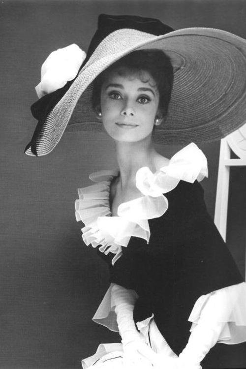 nineteen-fifty-four:        Audrey Hepburn.