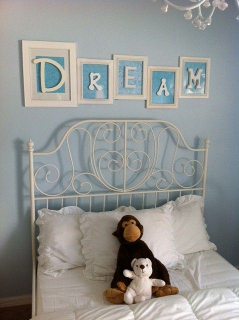 "like the way ""dream"" is spelled out in the phrames"