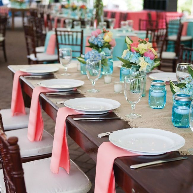 Burlap Table Runner, Blue Accents, and Coral Napkins // Laura Simson Photography // http://www.theknot.com/weddings/album/143986