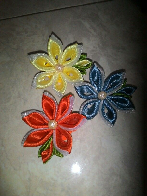 Kanzashi flowers brooch