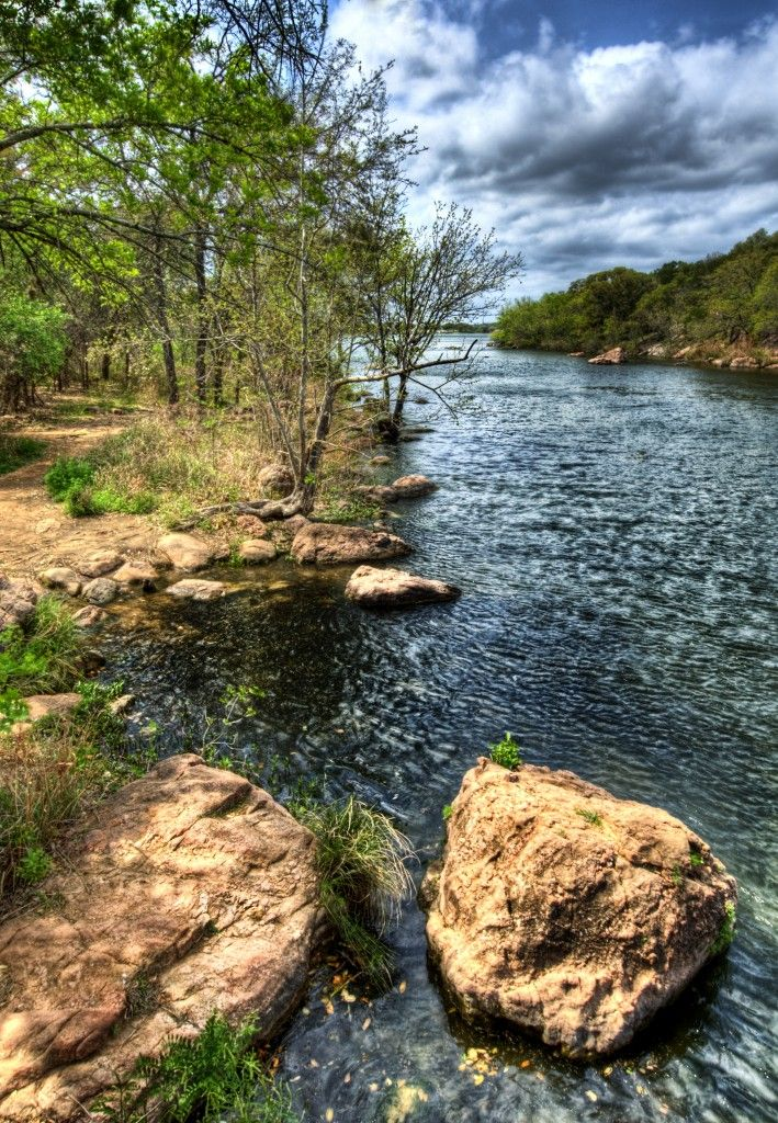 Devils waterhole in inks lake state park burnet tx for Fishing cabins in texas