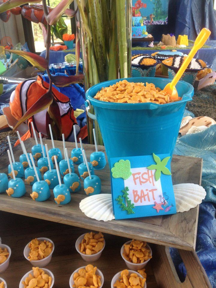 Kids birthday party ideas finding nemo theme pretty for Nemo decorations
