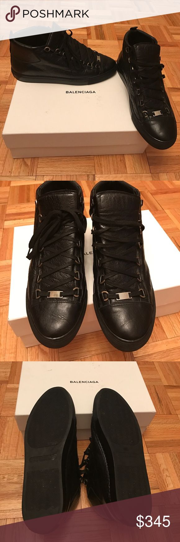 Gently worn mens AUTHENTIC BALENCIAGA sneakers Gently worn mens AUTHENTIC Balenciaga Arena sneakers in black size EU 43, US 10. These run big and fit more like an 11. Comes with dust bag and box. Balenciaga Shoes Sneakers
