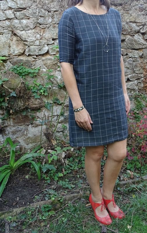 fd61ee71af4 Robe Malo (patron Anne Kerdilès Couture) cousue dans un lin provenant de la  boutique