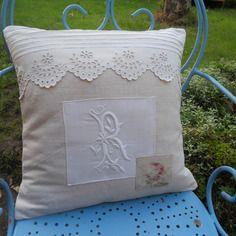 Coussin déhoussable drap ancien bis lin beau monogramme r petite rose beaux festons linge ancien
