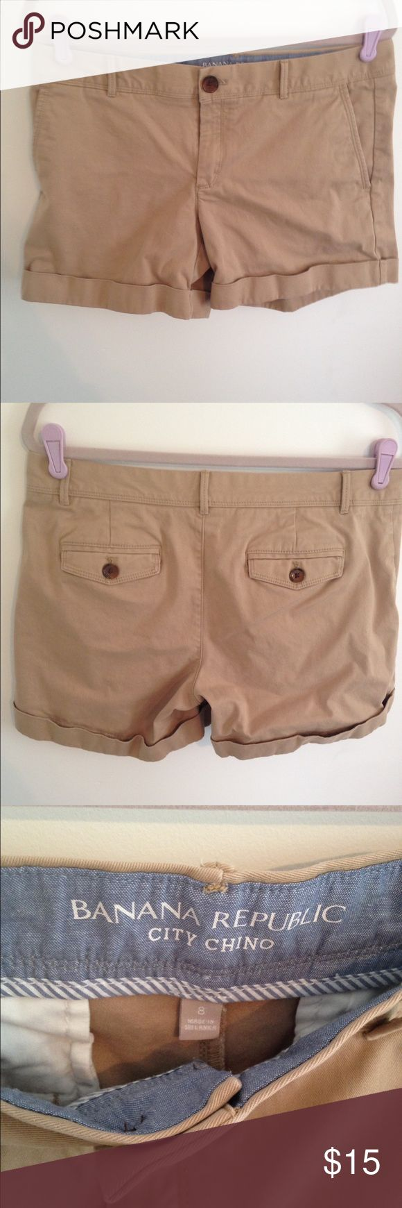 Banana Republic City Chino Rollup Shorts size 8 Banana Republic City Chino Rollup Shorts in Mateo Tan. Size 8, 98% cotton/2% spandex so they do have a little stretch. Excellent used condition, no tears or stains. Don't forget to bundle and save!! Banana Republic Shorts