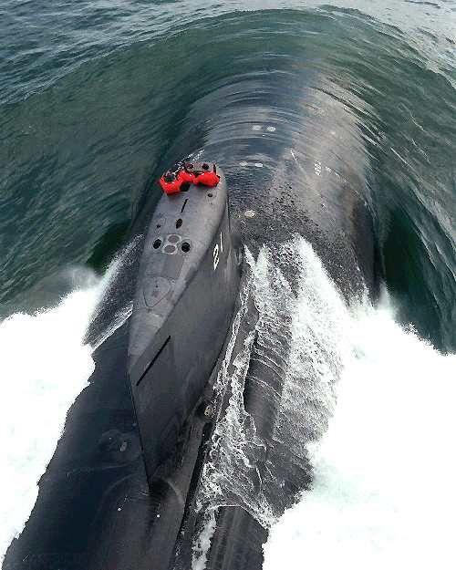 Un submarino de Clase de Pirata en acción