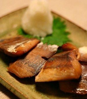 さばけなくても問題なし♪刺身を使ったハマチレシピ|MERY [メリー] ハマチの漬け焼き