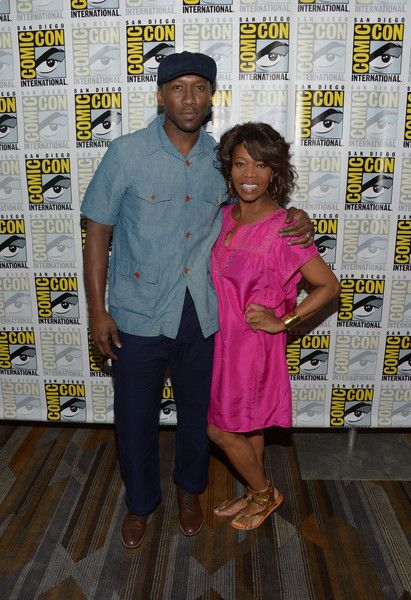 "Alfre Woodard Photos Photos - Actors Mahershala Ali (L) and Alfre Woodard attend the ""Luke Cage"" press line during Comic-Con International 2016 at Hilton San Diego Bayfront on July 21, 2016 in San Diego, California. - Netflix/Marvel's Luke Cage at San Diego Comic-Con 2016"